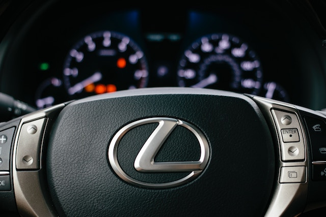 Sell my Lexus for cash. We Buy Cars Direct.